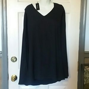 NWT Romeo and Juliet long top
